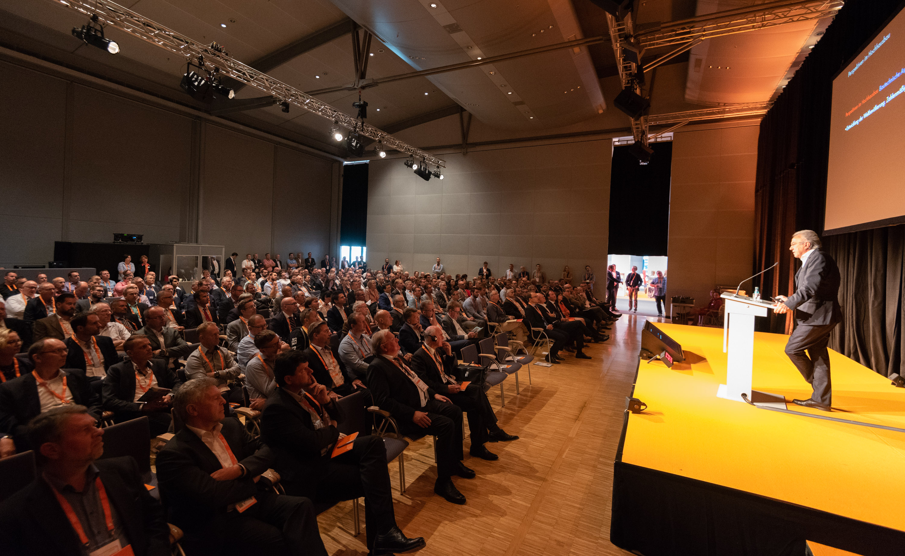E2 Forum Frankfurt 2018: Forum of innovations, stimuli and contacts  for 420 experts of vertical-horizontal mobility in the buildings of  tomorrow. (Source: Messe Frankfurt GmbH / Sandra Gätke)