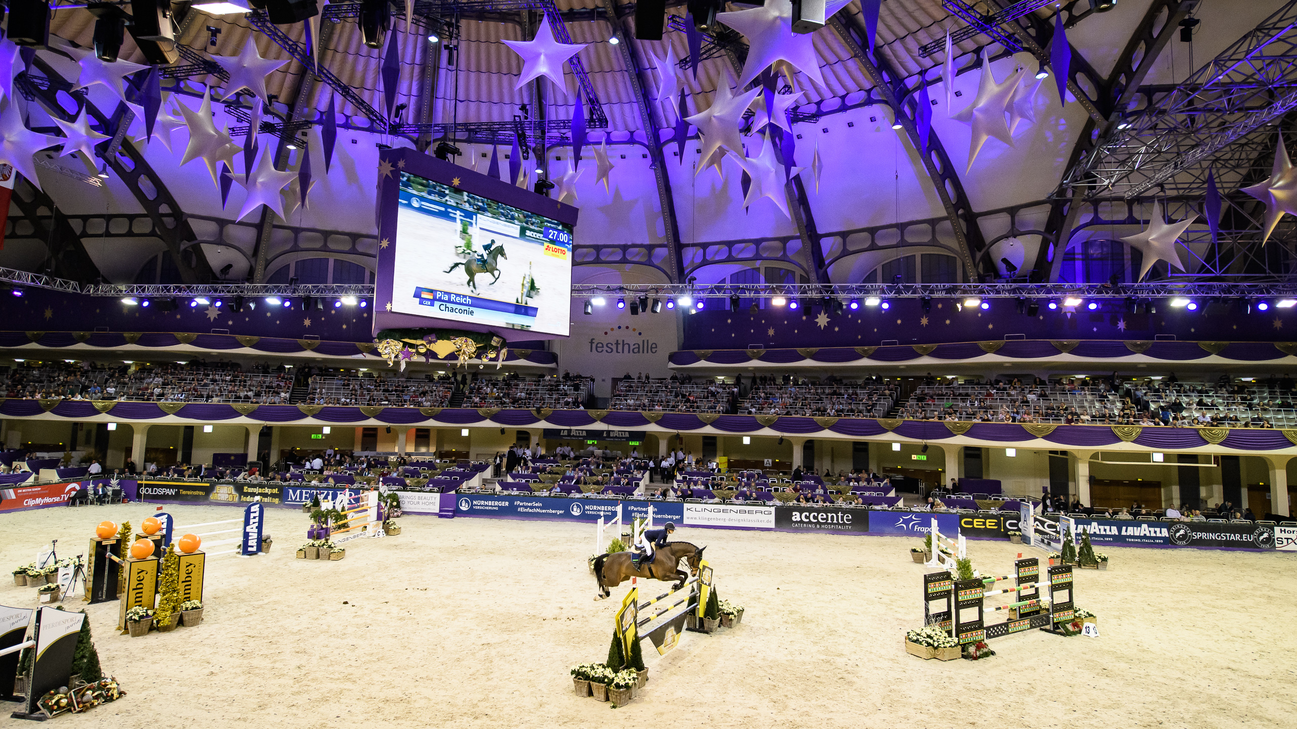 Festhalle Reitturnier/ Horse tournament
